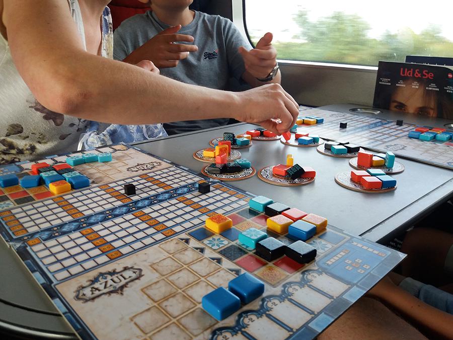 Azul-peliä neljällä pelaajalla.