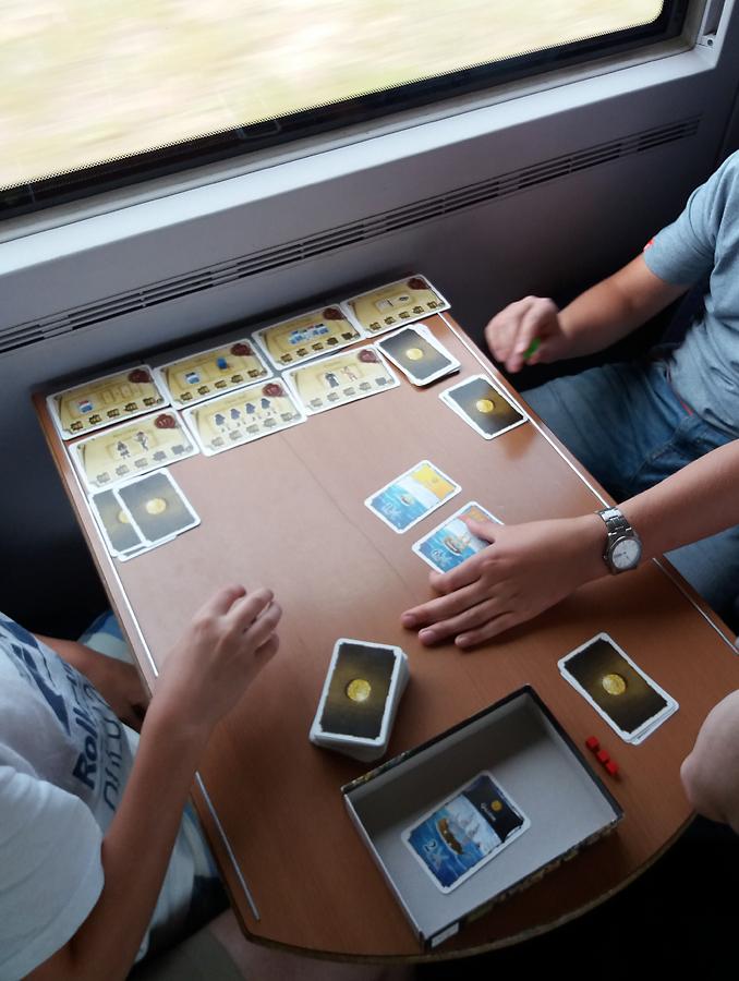 Port Royal ja lisäosa keskikokoisella junan pöydällä.